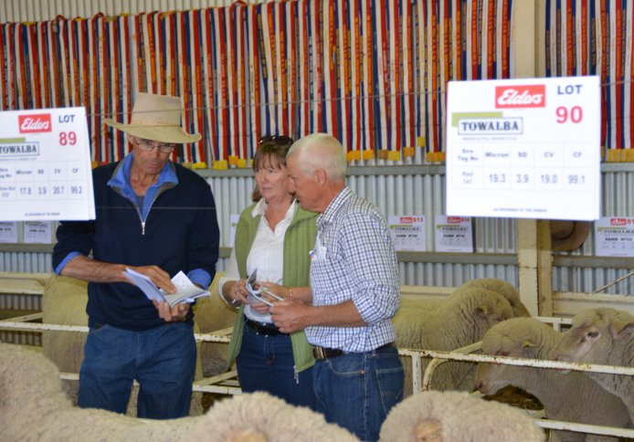 Towalba clients David and Hannah Russ 'Pigeanbah' Warren with their classer Warick at the 2018 on-property ram sale.